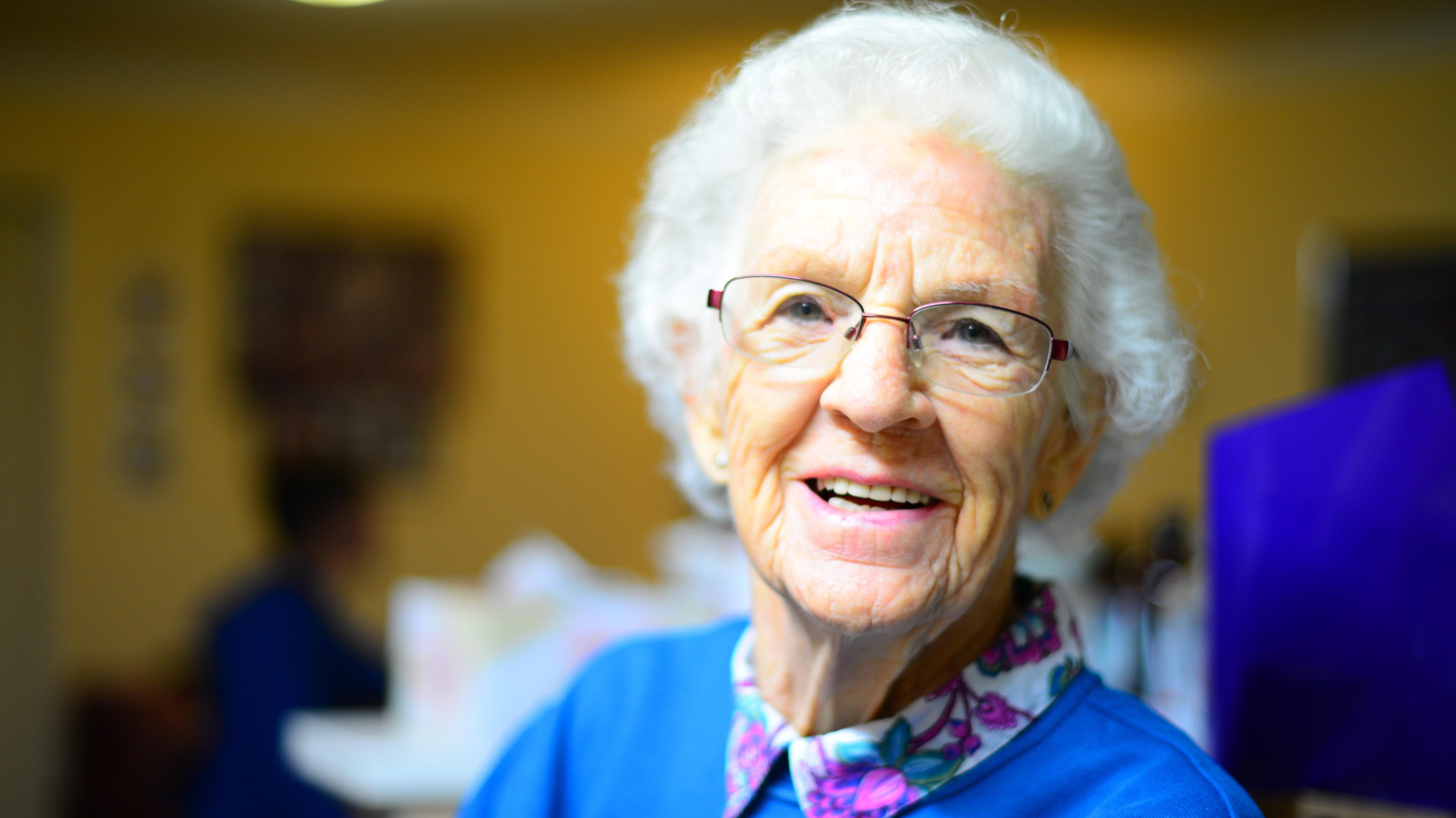 0108421_adult-elder-elderly-432722pexelscom300dpi