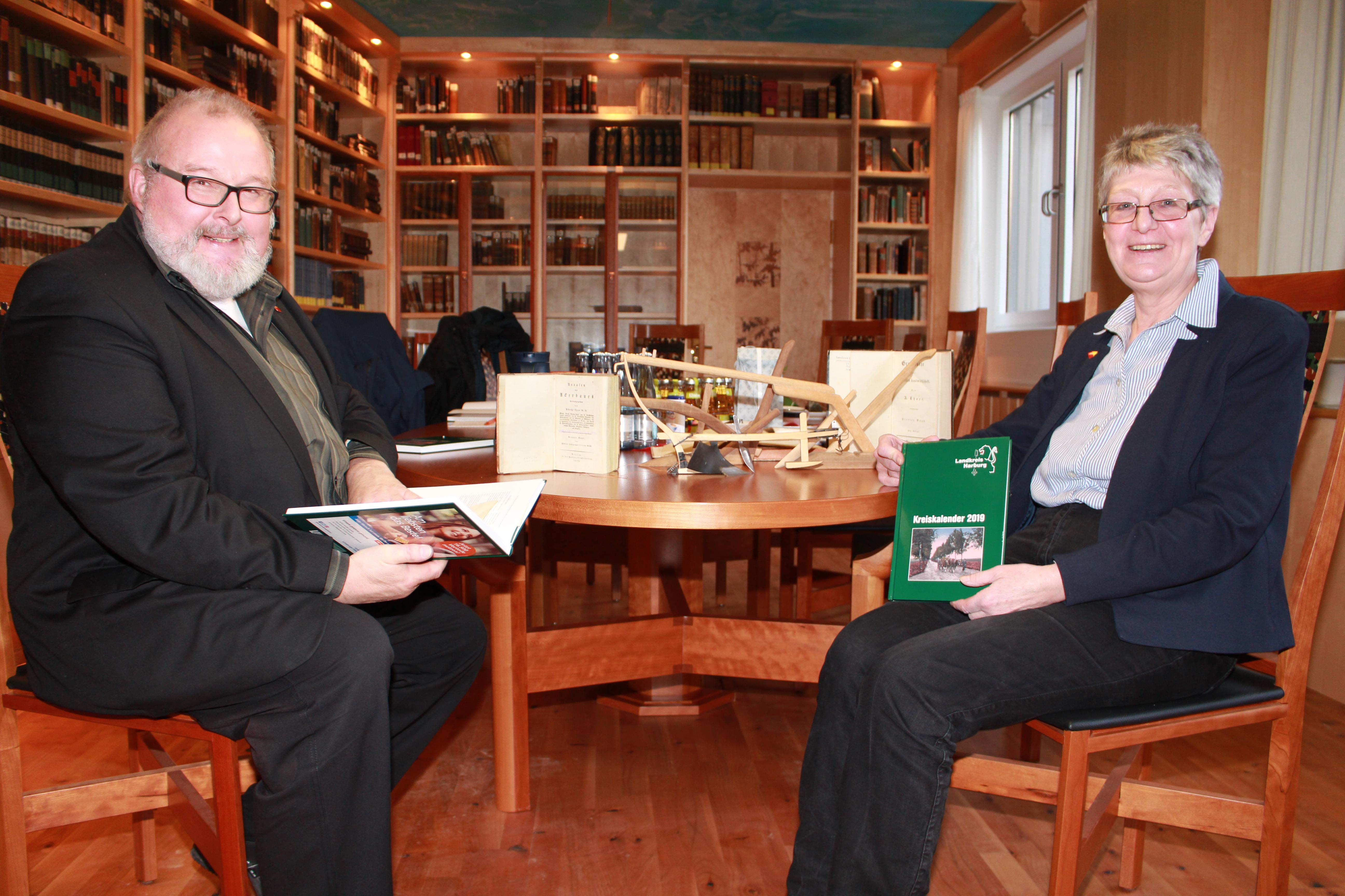 pm -Gisela und Rolf Wiese:  Der Kreiskalender hat eine treue Leserschaft und wird jahrein jahraus erwartet.