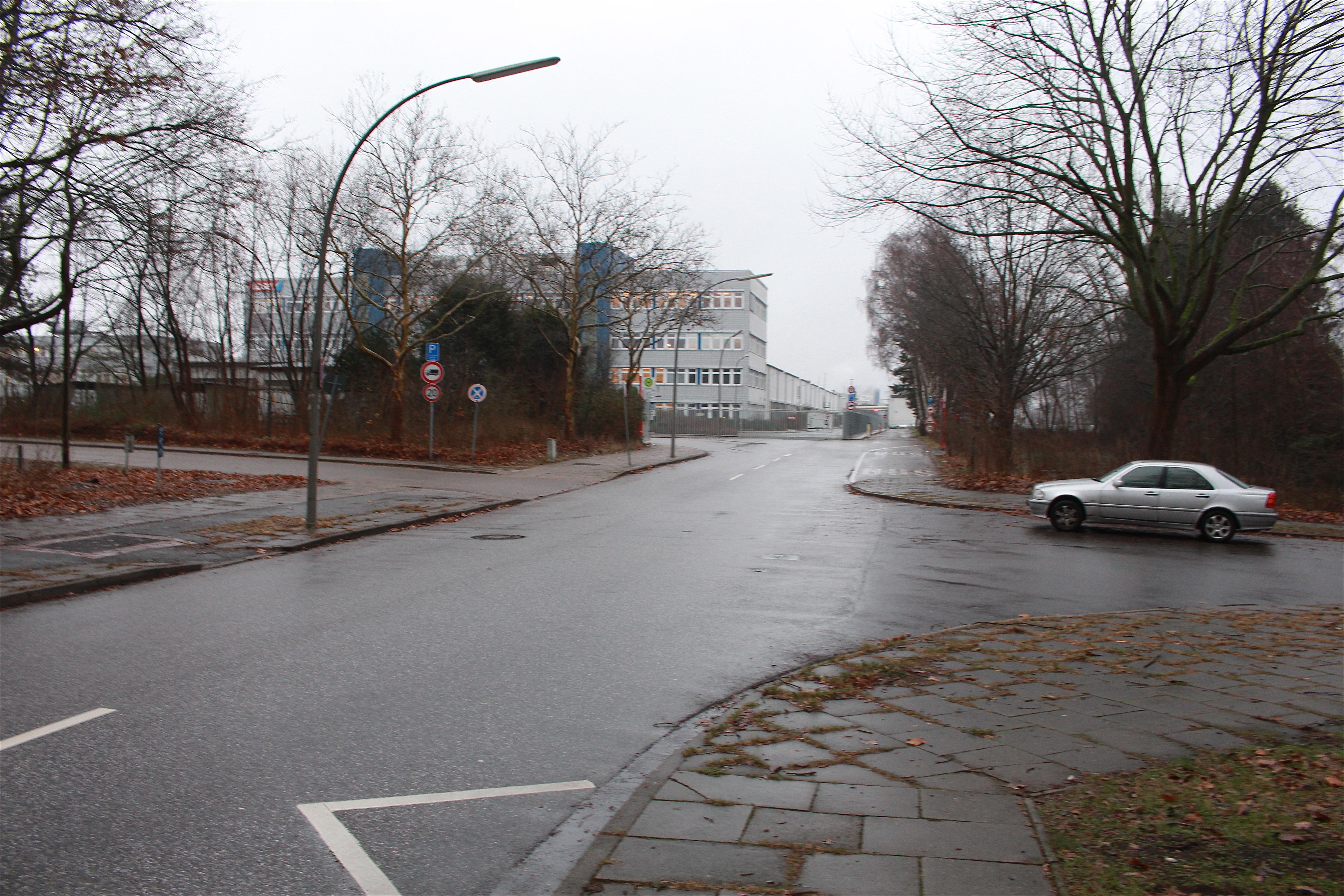 pm -Um für die Benutzer eine sichere und komfortable Streckenführung zu garantieren müssen laut SBI im Zuge der Realisierung der Veloroute 10 in den Straßen Zum Dubben und Dubben bauliche Veränderungen vorgenommen werden.