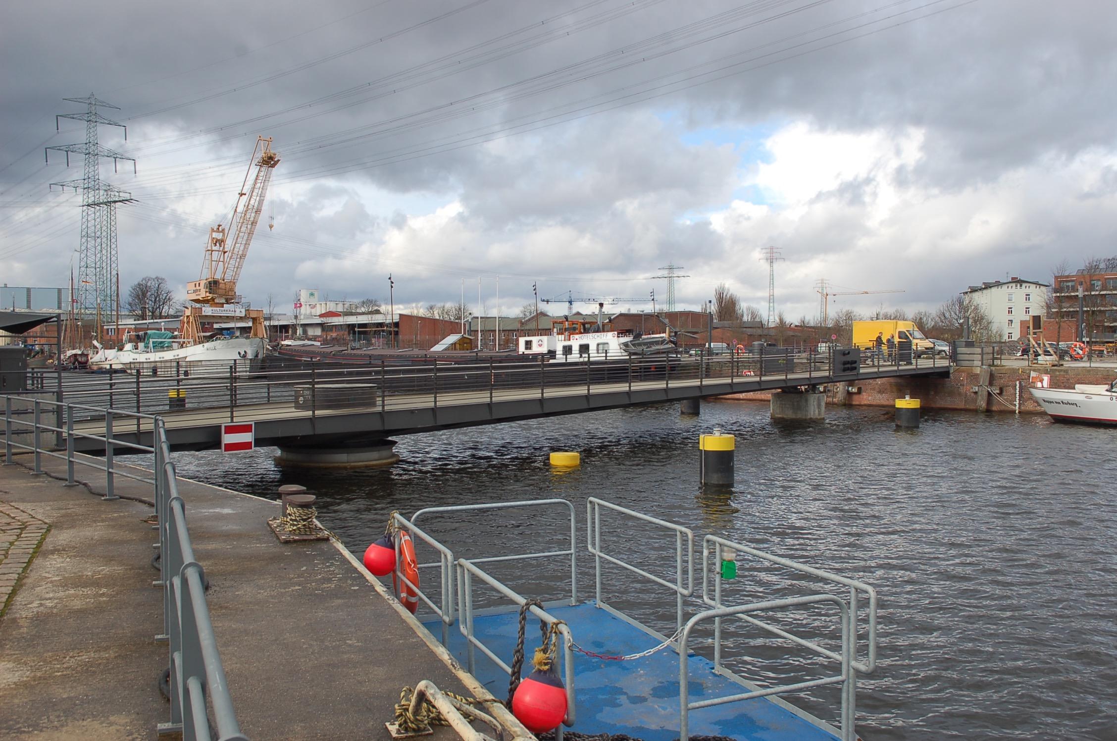mk -Kann die Drehbrücke während des Binnenhafenfestes nicht gedreht werden?