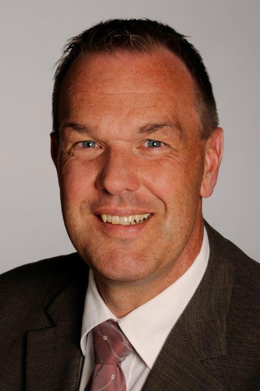 SPD-Neu Wulmstorf -Thomas Grambow zeigte sich vom Ratschlag zur Kostenreduzierung der Sanierung des Hallenbades angetan.