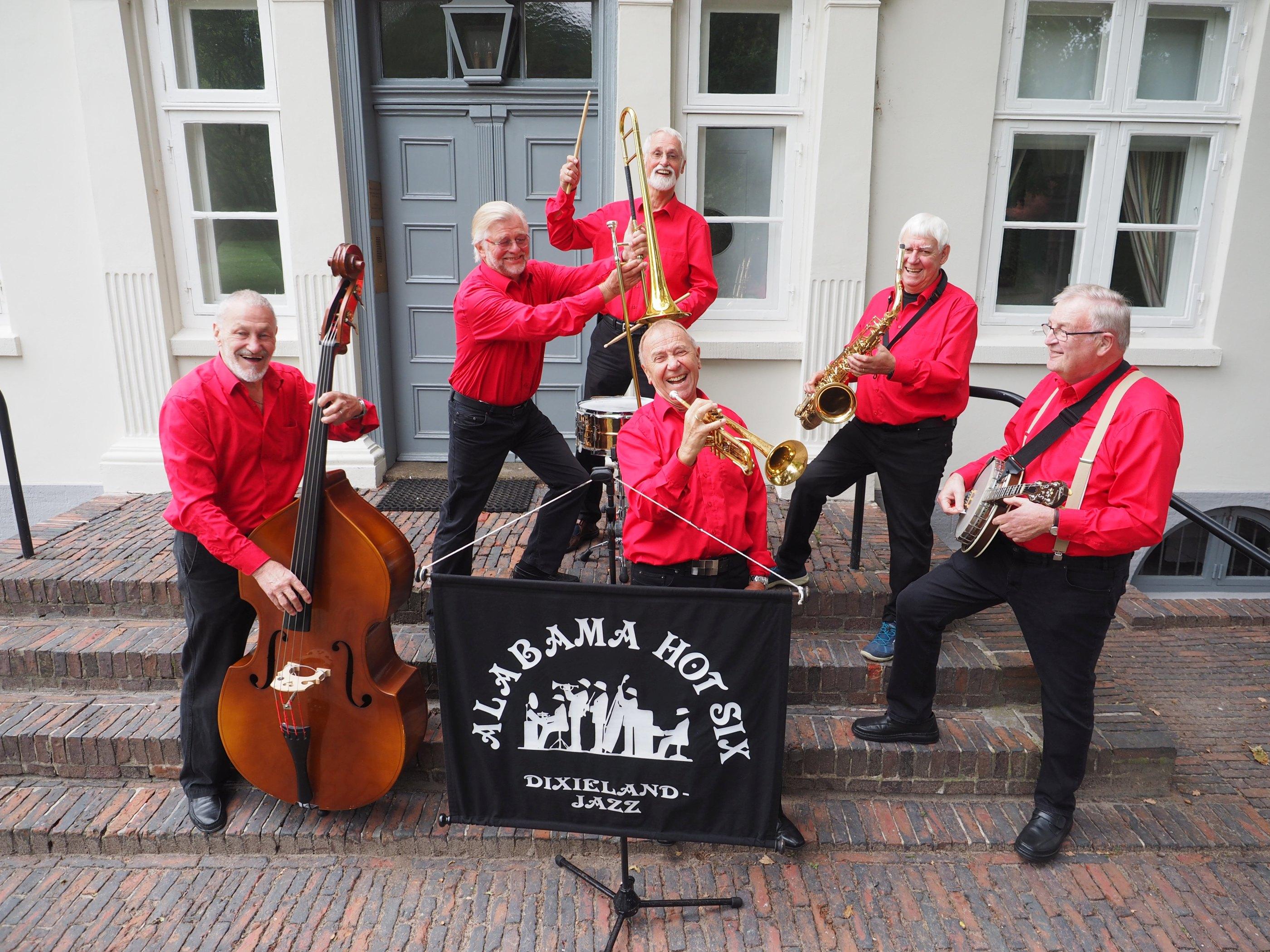 priv. -Die Dixielandband wurde vor fast 40 Jahren von dem Trompeter Gunnar Thielemann gegründet der nach langer Pause sein Instrument neu entdeckt hatte. Die Band ist regelmäßig im Hamburger Cotton Club zu hören.