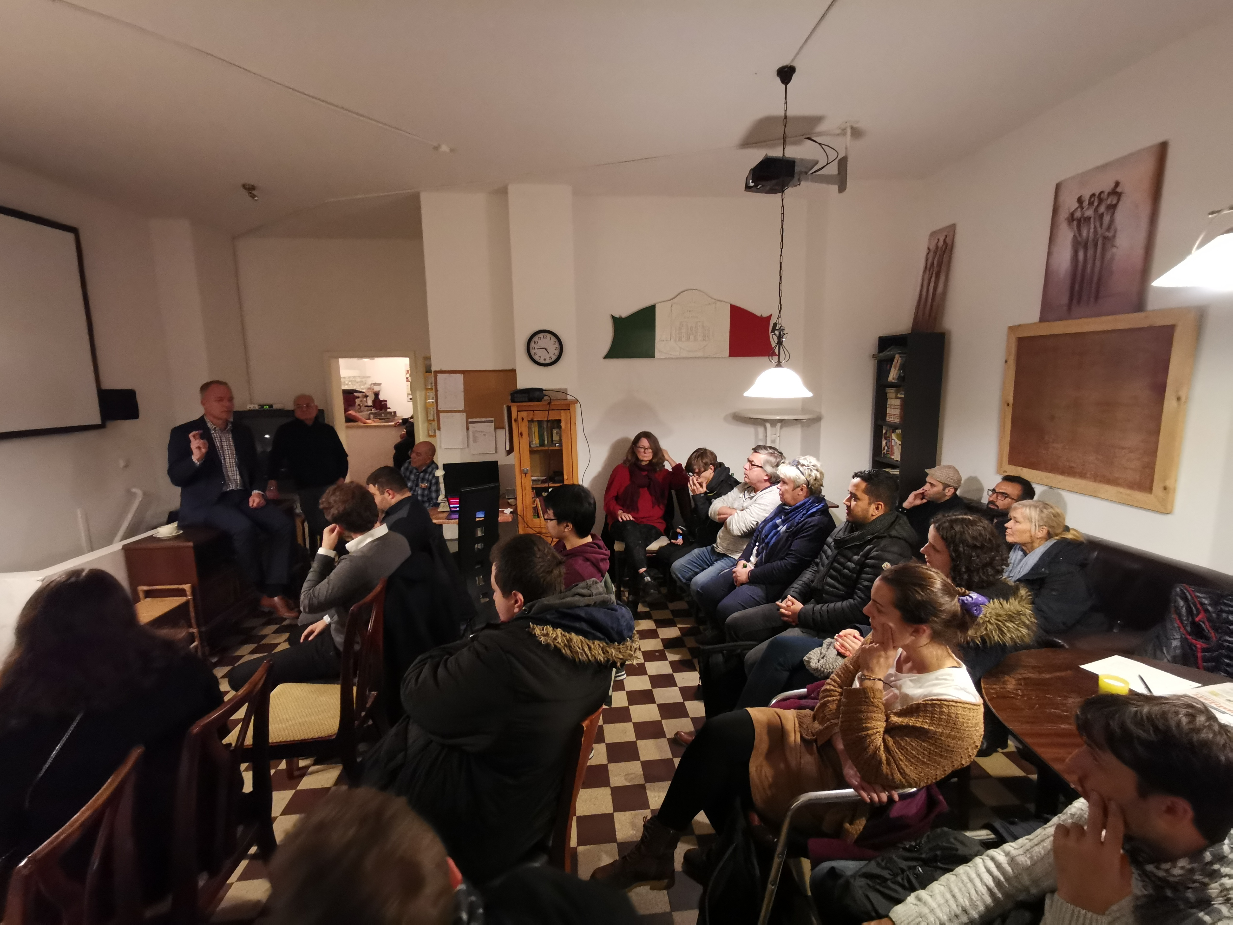 SPD -Aufmerksame Zuhörer bei der SPD-Veranstaltung