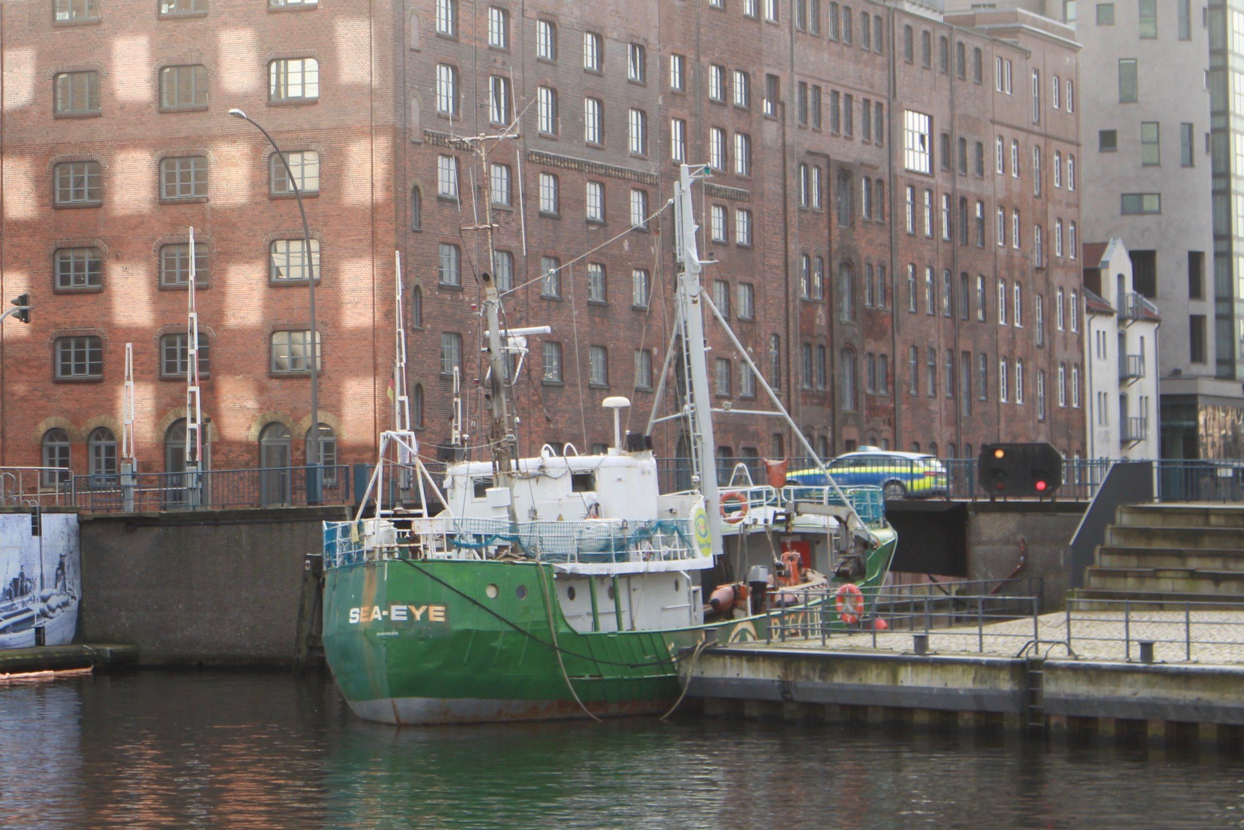 pm -Die Sea-Eye liegt aktuell im Binnenhafen
