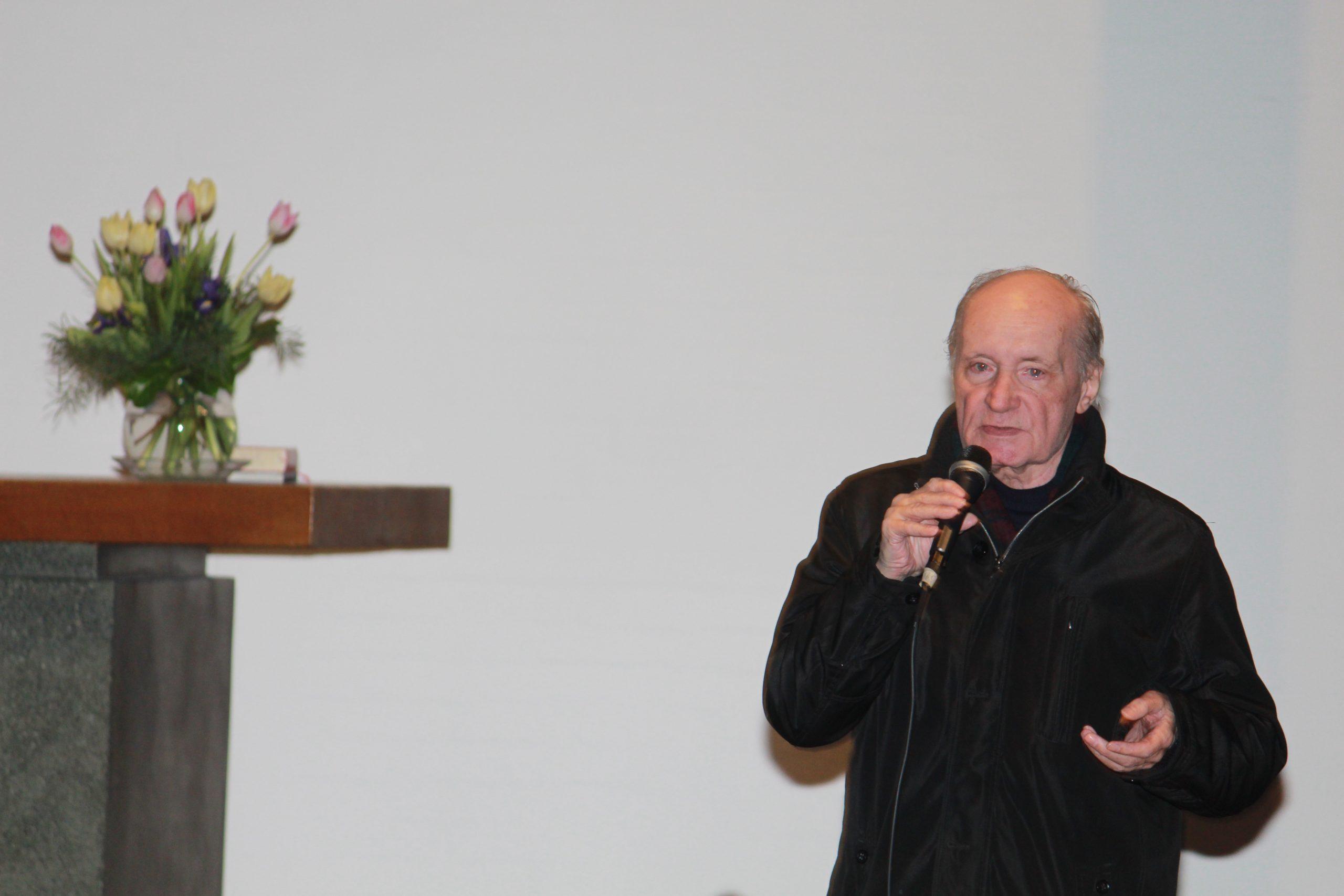 """pm -Eugen Drewermann: Der streitbare Theologe Psychoanalytiker Friedensaktivist und Schriftsteller hielt einen Vortrag mit dem Thema """"Von Glauben und FreiheitÒu00a0in der St. Johanniskurche"""