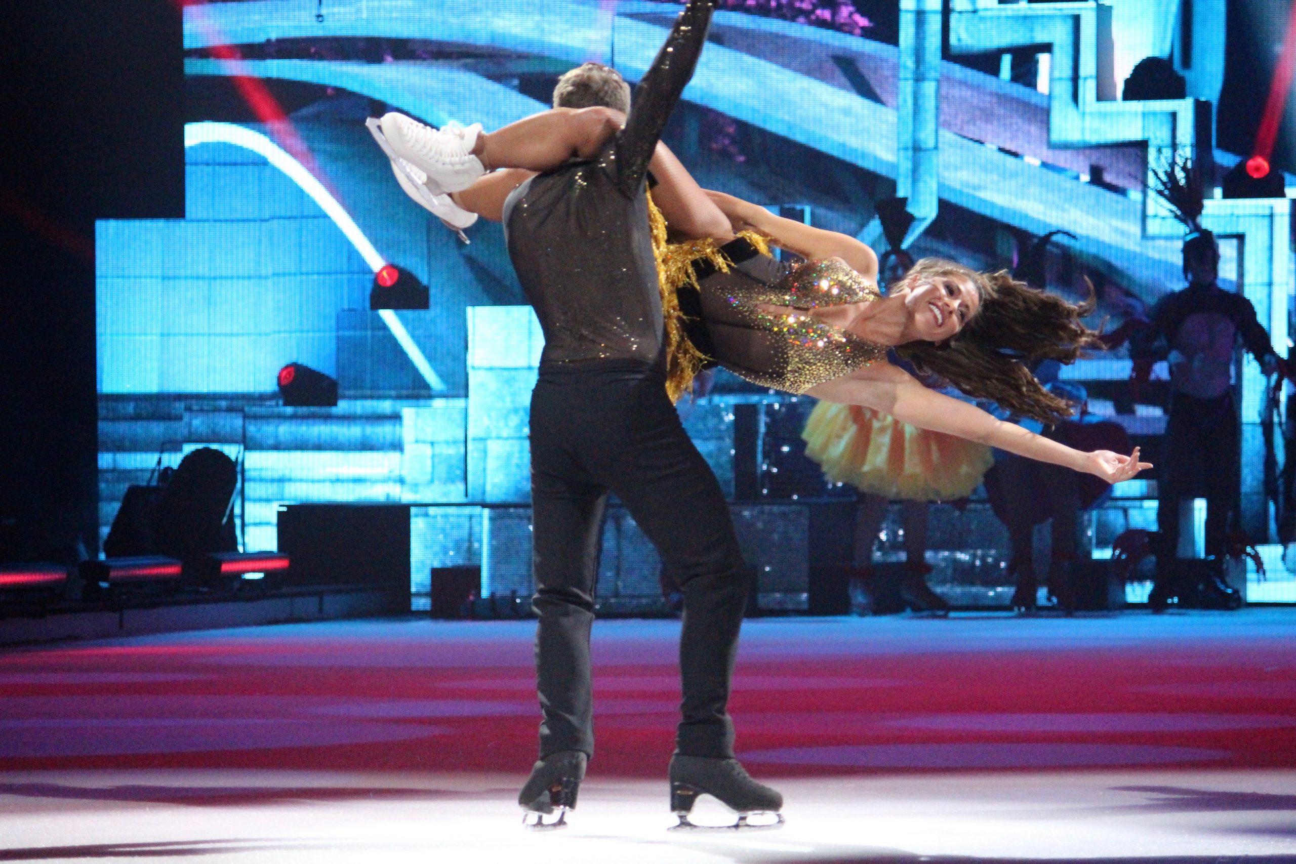 pm -Joti Polizoakis wirbelte das Multitalent Sarah Lombardi über das Eis