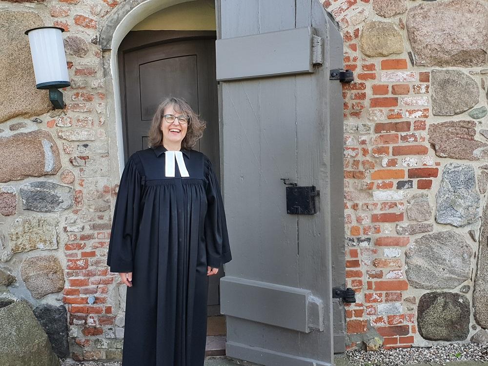 B. Sonnenberger -Pastorin Ruth Stalmann-Wendt freut sich dass die Nicolai-Kirche jeden Sonntag von 10 bis 12 Uhr geöffnet sein darf