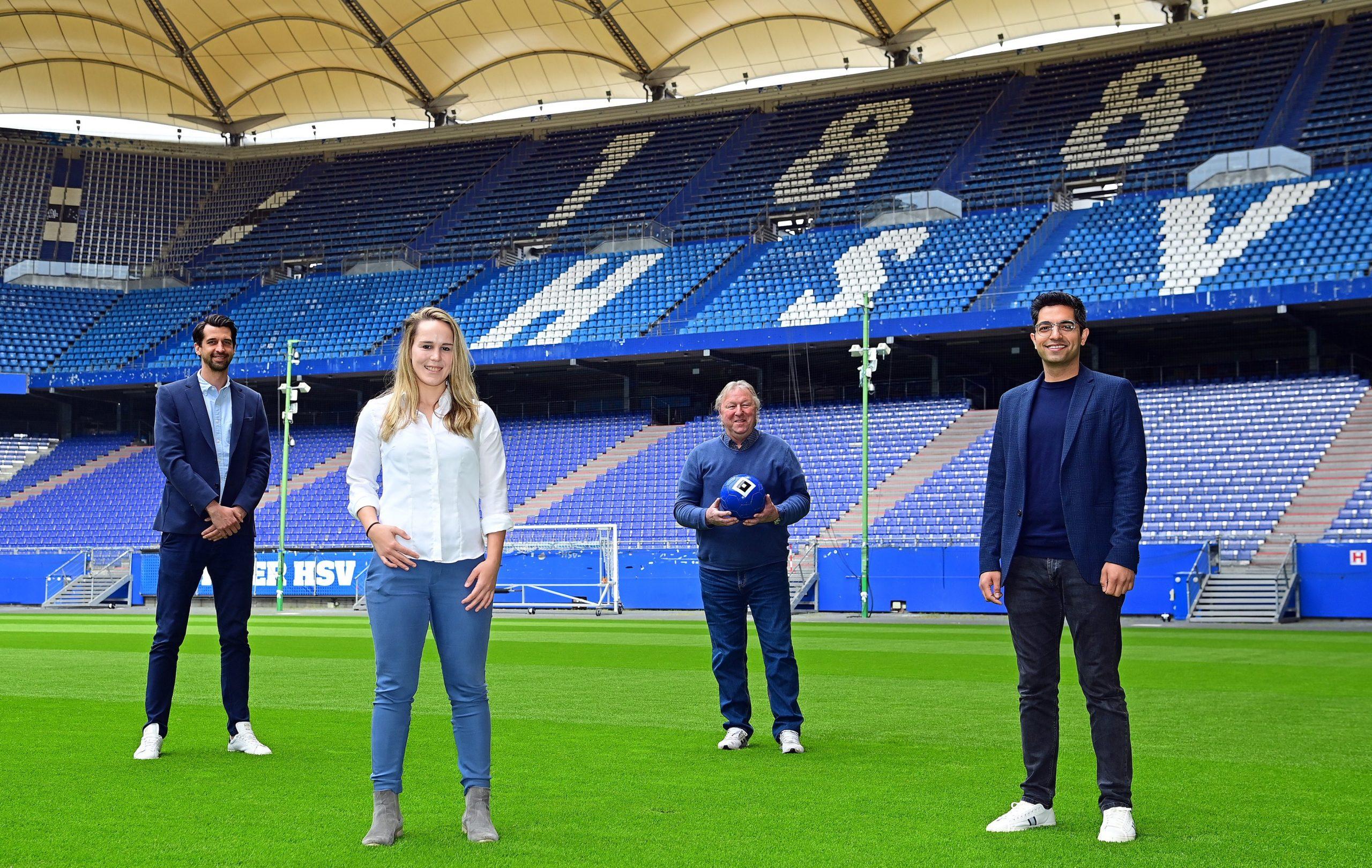 Foto: HSV/witters -Jonas Boldt (Vorstand Sport beim HSV) Catharina Schimpf (Koordinatorin Frauenfußball beim HSV) Horst Hrubesch (Direktor Nachwuchs beim HSV) und Kumar Tschana (Geschäftsführer HSV e.V.)