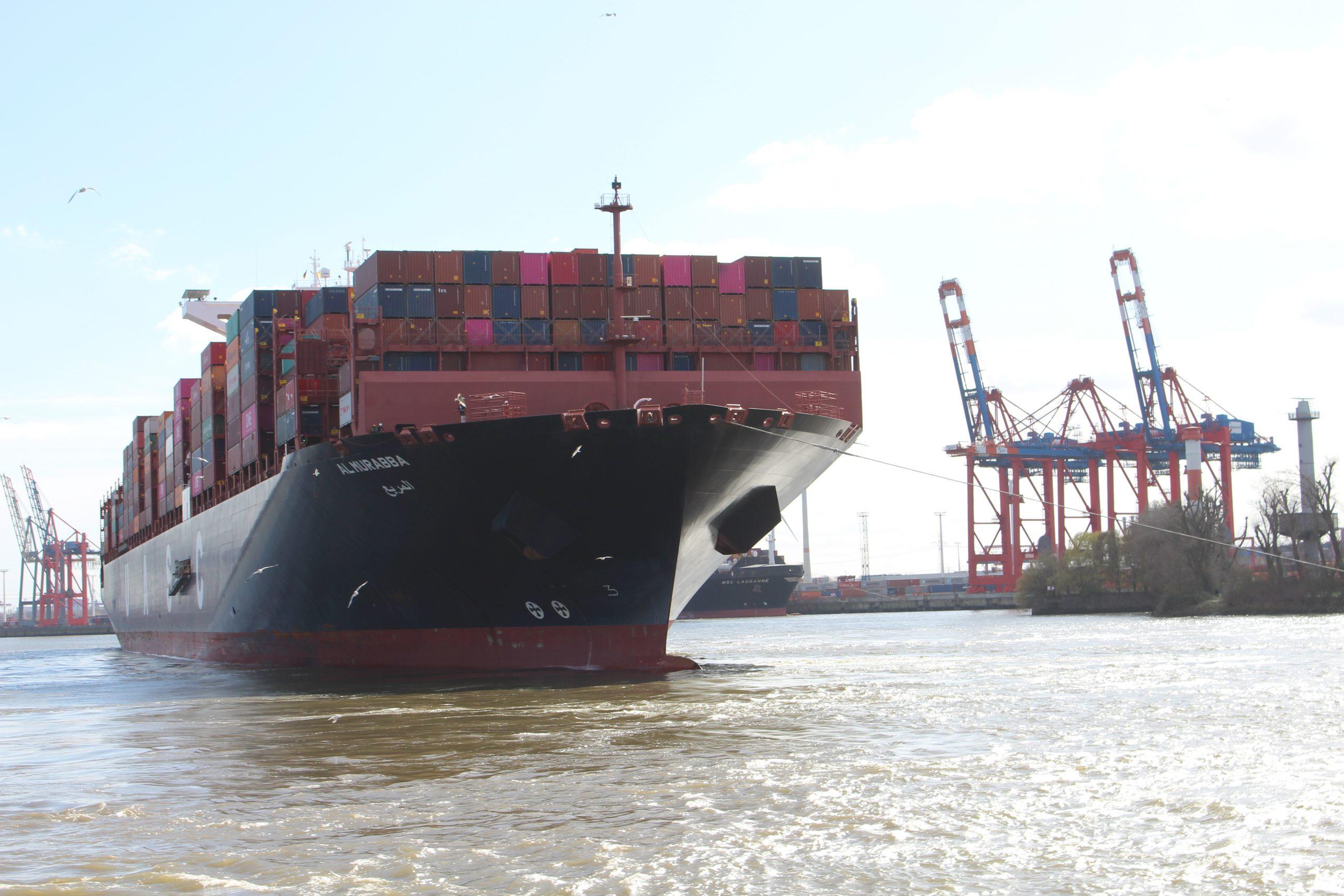 pm -Auch die Schwergewichte der Meere können in Zukunft vollbeladen den Hamburtger Hafen ansteuern