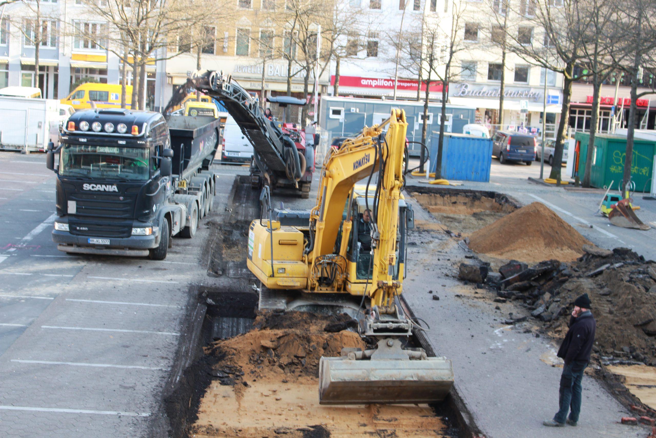 pm -Auch de Sanierung und Aufwertung des Marktplatzes Sand in Harburg erfolgte durch Mittel der Stadt