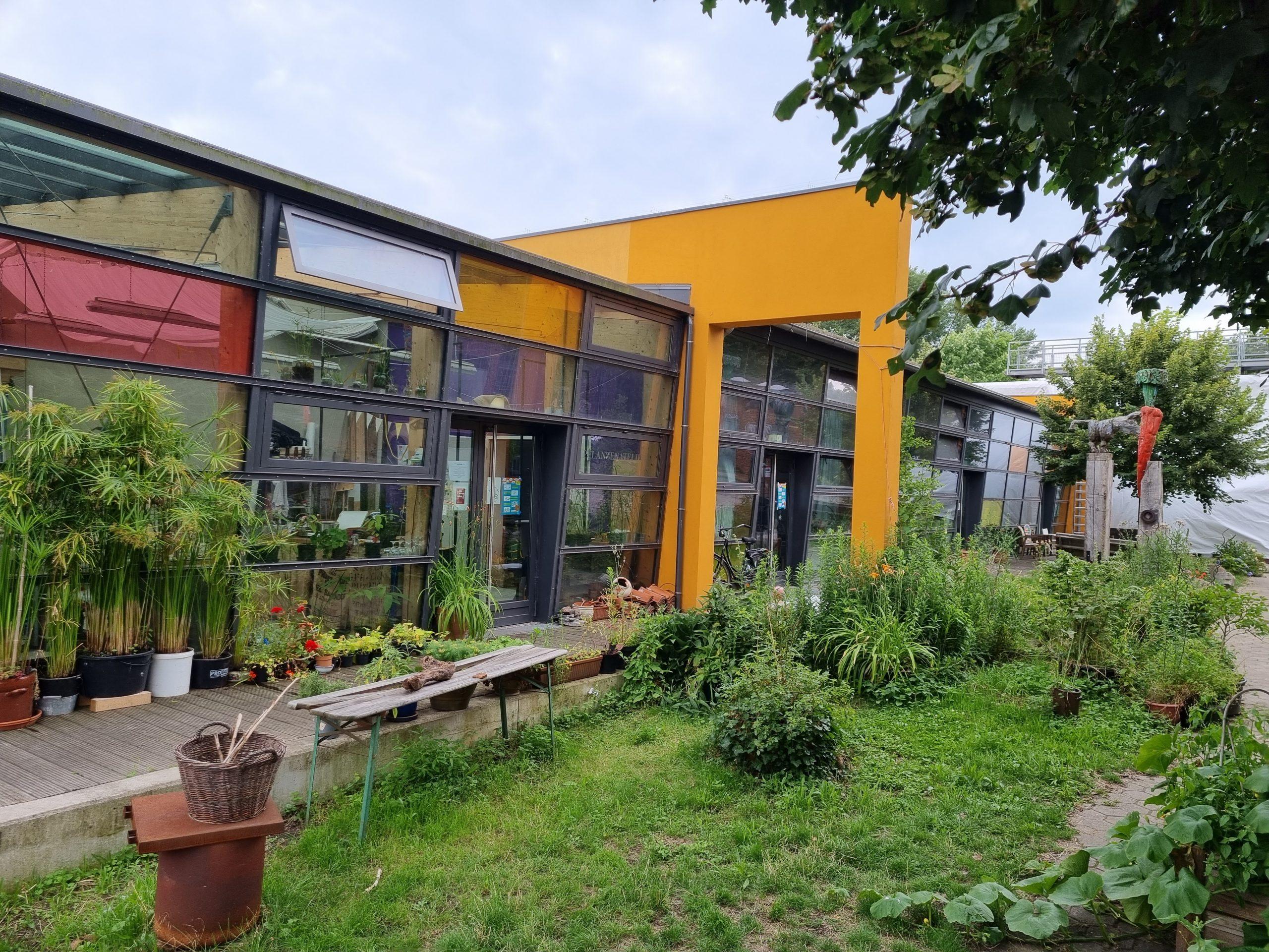 Die Künstlerateliers in der Honigfabrik: Hier können sich Künstler individuell entwickeln. Derzeit sind wieder Plätze frei. Foto: au